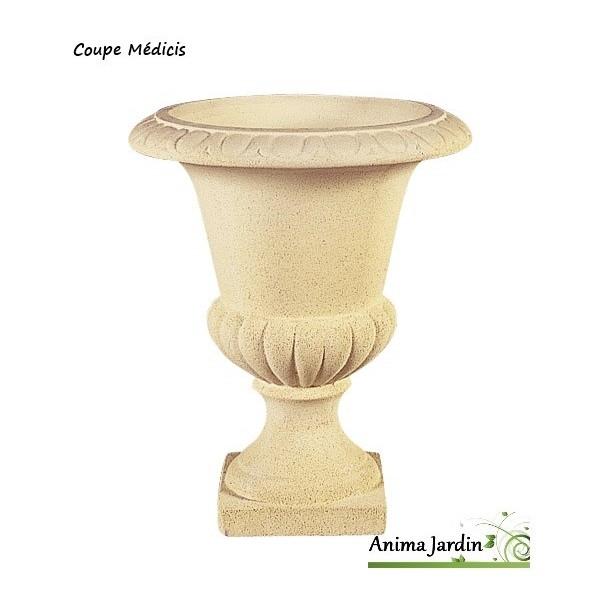 Coupe m dicis en pierre reconstitu e vasque contenant for Pots en resine jardin