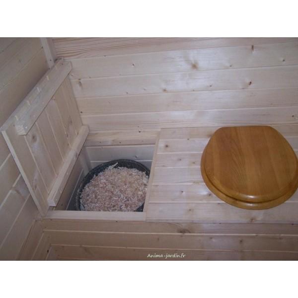 toilettes s ches en bois avec sciure quip lave mains. Black Bedroom Furniture Sets. Home Design Ideas