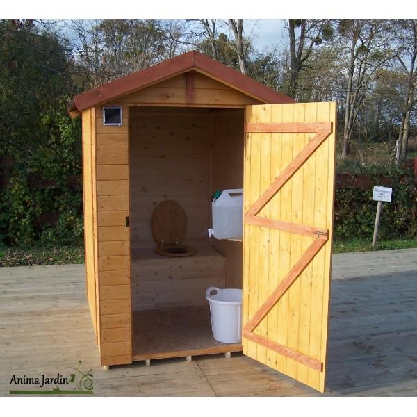 Toilettes sèches en bois avec sciure, équipé lave mains ...