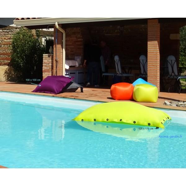 Coussin piscine pouf 100x100 cm flottant shelto pas for Achat piscine gonflable pas cher