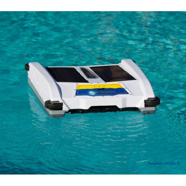 robot de surface pour piscine solaire solar breeze. Black Bedroom Furniture Sets. Home Design Ideas