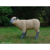 Agneau debout beige en fibre de verre, petit mouton tête haute noire, animal de la ferme