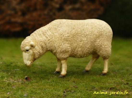 Mouton-en-résine-tête-basse-anima-jardin.fr