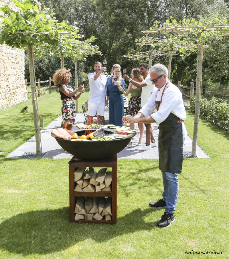 Braséro-piatto large-couleur bois-ø94 cm-Quoco-plancha-cuisine extérieure-Fargau-achat-pas cher-Anima-Jardin.fr